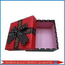 2013 fashion rigid paper gift box with spots